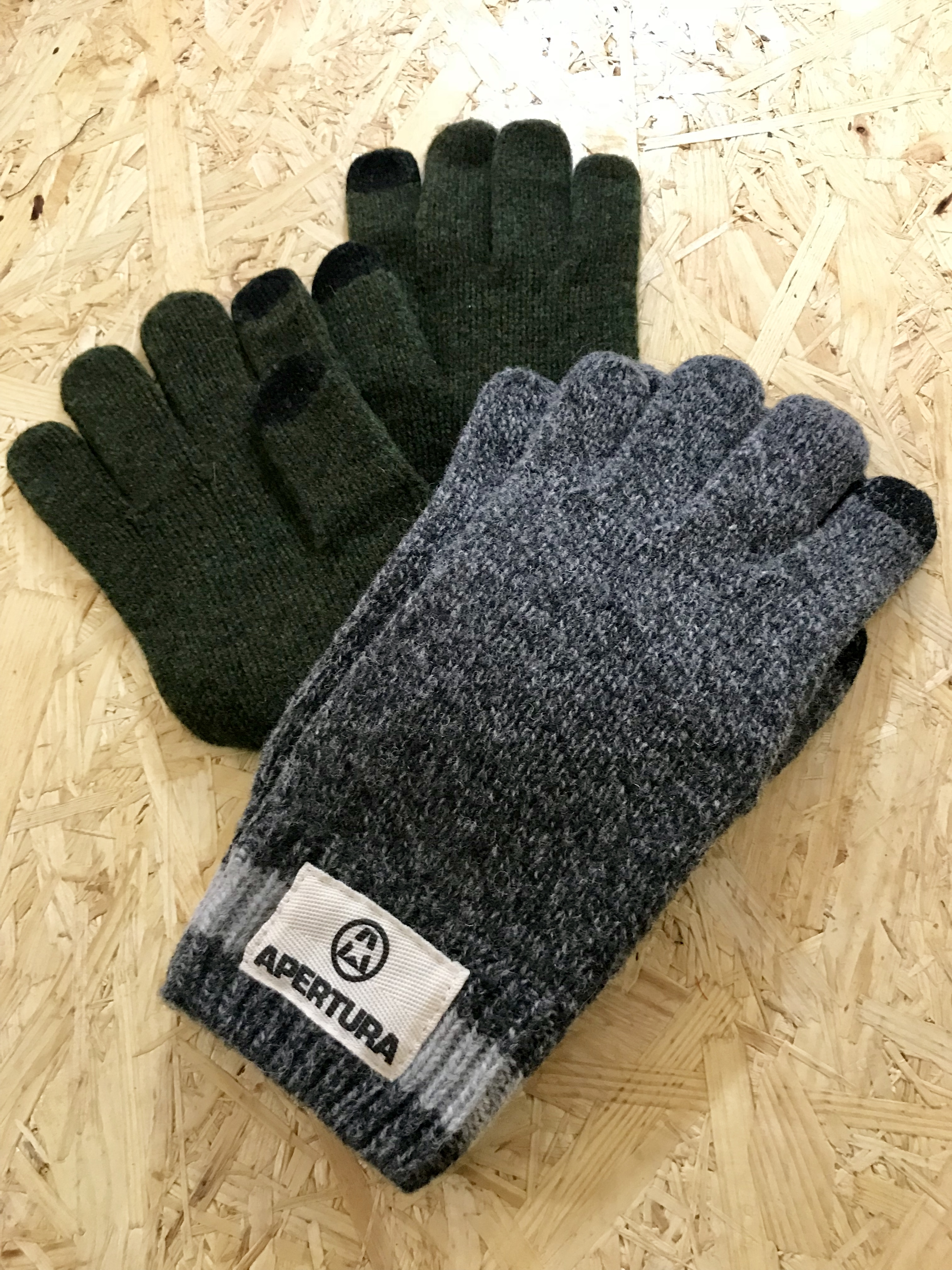 GLOVES-Gray